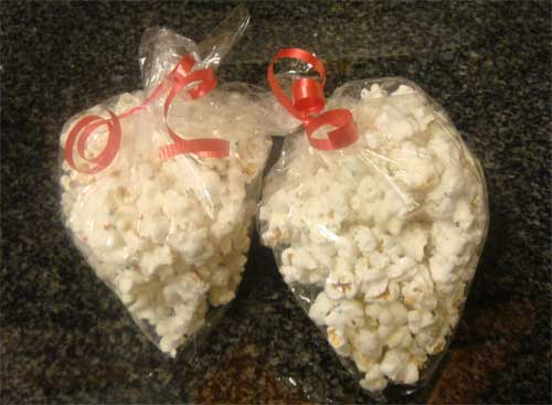 bags-of-white-chocolate-popcorn